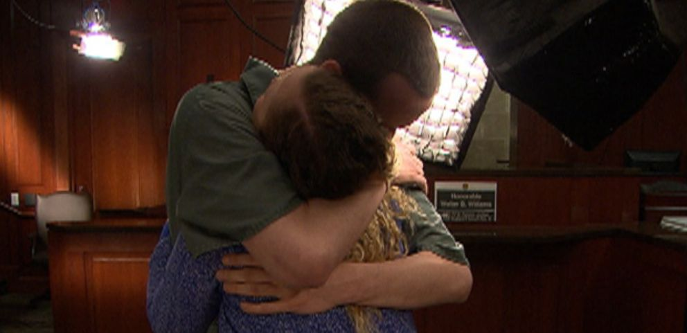 VIDEO: One Last Hug for Siblings in Jail for Bank-Robbing