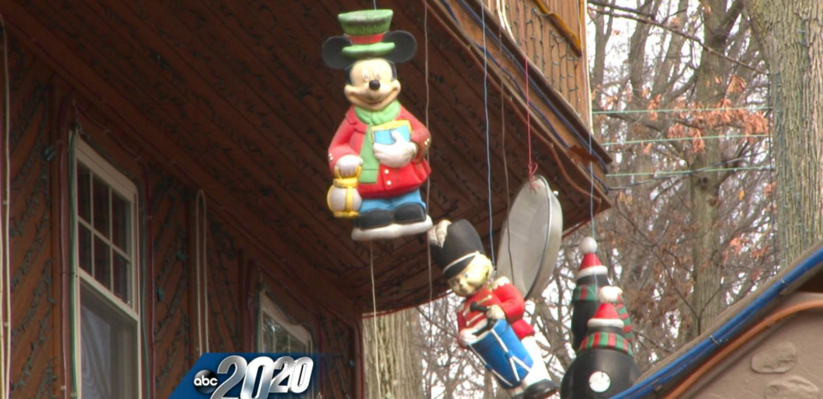 VIDEO: This Man's Holiday Display Is Making Neighbors Want to Move Away