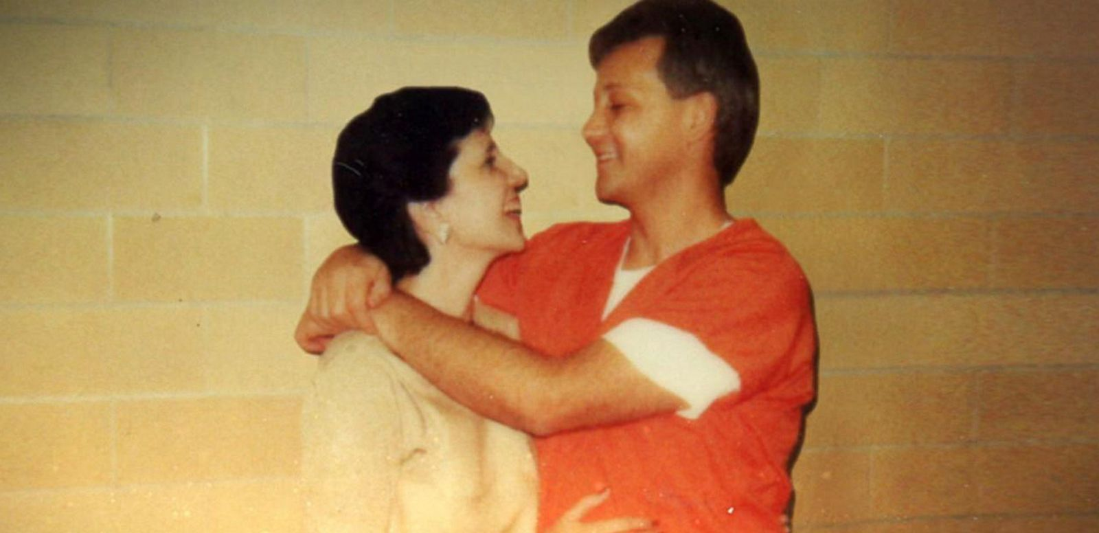 VIDEO: Why This Woman Fell in Love With a Convicted Killer on Death Row