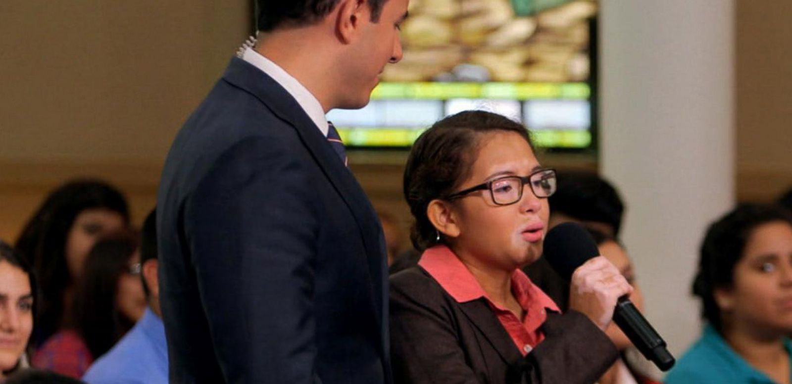 VIDEO: Pope Francis Asks Chicago Teen to Sing for Him: Part 1