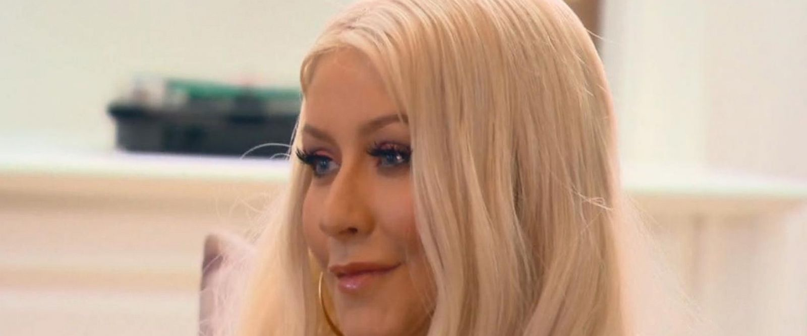 VIDEO: Christina Aguilera surprises family with performance of her song 'Beautiful'