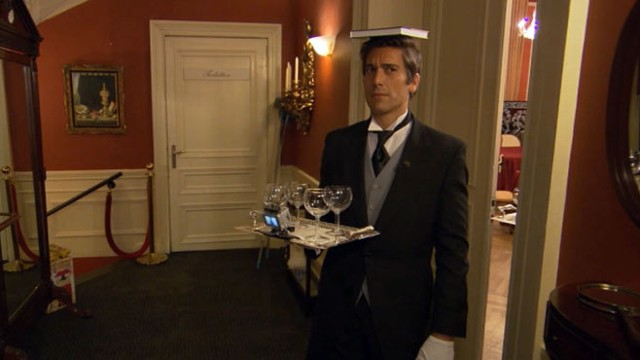 VIDEO: David Muir went to a Dutch castle to see how he'd do at the International Butler Academy.