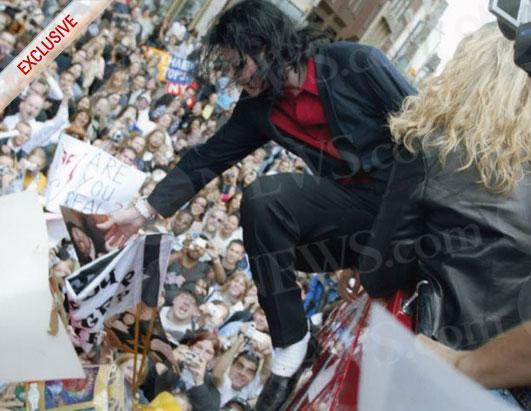 http://a.abcnews.com/images/2020/ht_mj_karenfaye_londonsonyprotest_100624_ssh.jpg