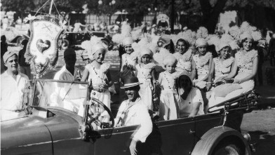 PHOTO: On February 28, 1933 In Rio De Janeiro, Young Girls And Children In Costumes During The Carnival.