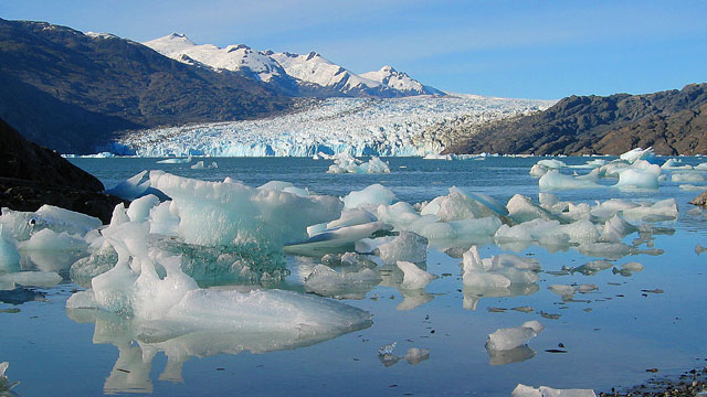 PHOTO: The Jorge Montt Glacier in Chiles Patagonia. A company called Waters of Patagonia, wants to take water that melts from this glacier and sell it to the Middle East, in what has become a controversial initiative.