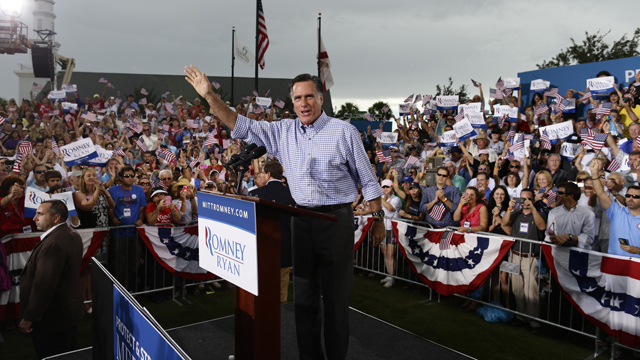 PHOTO: Republican presidential candidate and former Massachusetts Gov. Mitt Romney campaigns at Tradition Town Square in Port St. Lucie, Fla., Sunday, Oct. 7, 2012.