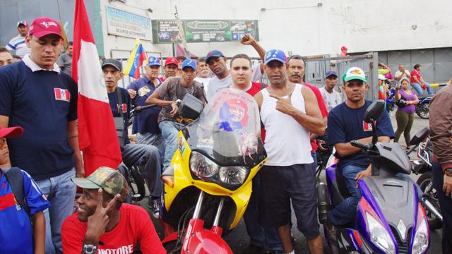 PHOTO:Members of the Victor Polay Campos colectivo await for Chavez?s casket to arrive in Caracas23 de Enero Neighborhood.