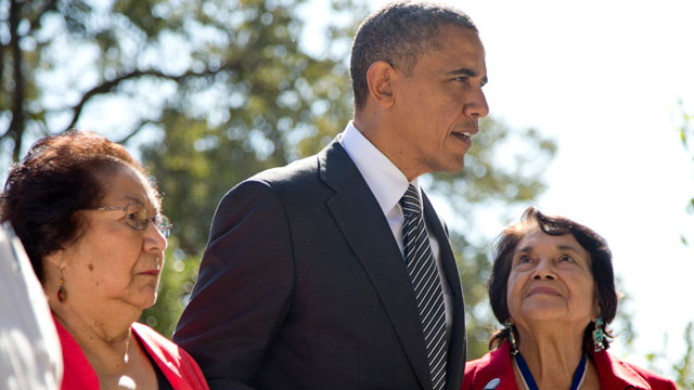 PHOTO: President Barack Obama walks with Cesar Chavez widow Helen F. Chavez, left, and Dolores Huerta, Co-Founder of the United Farm Workers, as they tour the Cesar E. Chavez National Monument Memorial Garden, Monday, Oct. 8, 2012, in Keene, Calif.