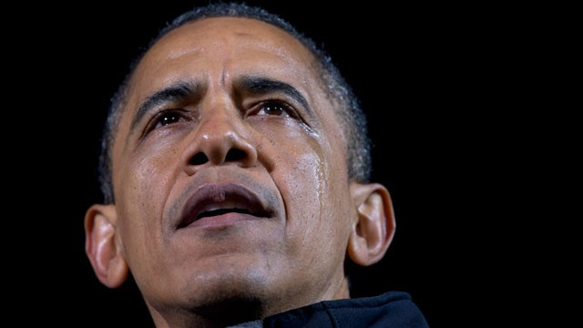 PHOTO: President Barack Obama speaks, as a tear streams down his face, at his final campaign stop on the evening before the 2012 presidential election, Monday, Nov. 5, 2012, in Des Moines, Iowa.