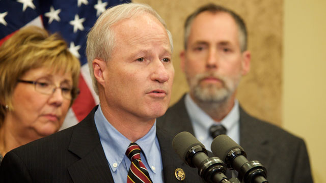 PHOTO:Rep. Mike Coffman (R-Colo.) speaks at a press conference on Oct. 22, 2009.