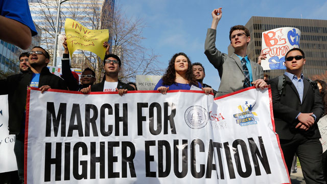 PHOTO: Students from around the state marched to the Capitol calling for more funding for higher education in Sacramento, Calif., Monday, March 4, 2013.