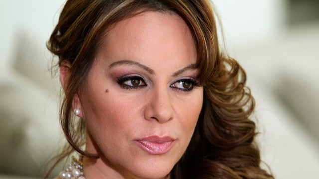 PHOTO: In this picture taken March 8, 2012, Mexican-American singer and reality TV star Jenni Rivera poses during an interview in Los Angeles.