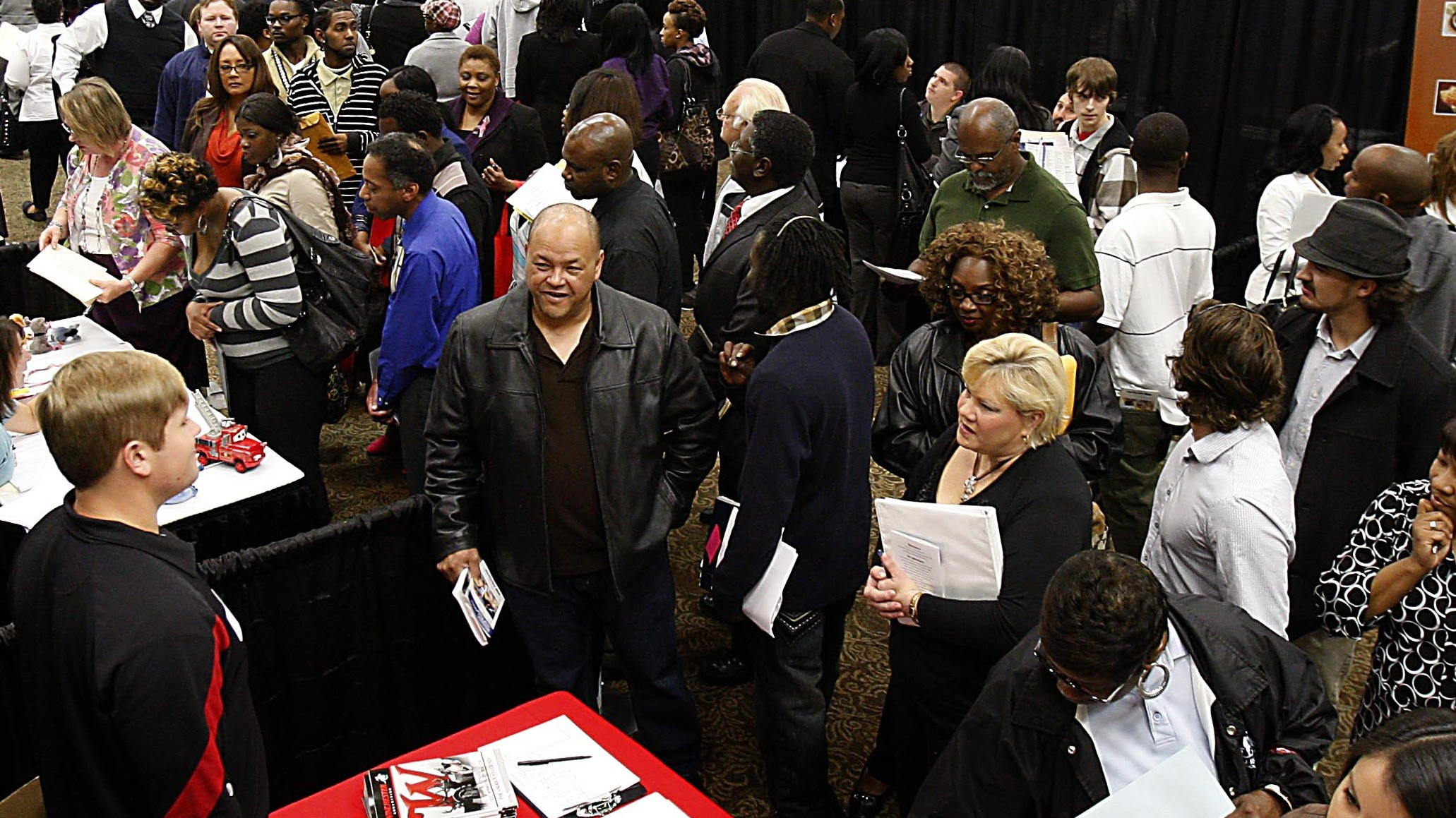 PHOTO: Hundreds of job applicants attend the DeSoto County Job Fair at Landers Center, Tuesday, Oct. 9, 2012, in Southaven, Miss.