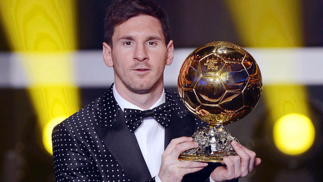 PHOTO:FC Barcelonas Argentinian striker Lionel Messi poses with the trophy after being awarded the FIFA Mens World Player of the Year during the FIFA Ballon dOr Gala 2012 held at the Kongresshaus in Zurich, Switzerland, Monday, Jan 7, 2013. Messi was