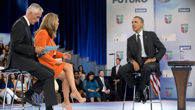 PHOTO: President Barack Obama participates in a town hall hosted by Univision and Univision news anchors Jorge Ramos, left and Maria Elena Salinas, center, at the University of Miami, Thursday, Sept. 20, 2012, in Coral Gables, Fla.