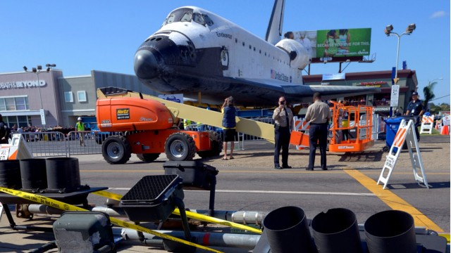 PHOTO: Endeavour's 12-mile road trip kicked off shortly before midnight Thursday as it moved from its Los Angeles International Airport hangar en route to the California Science Center, its ultimate destination, said Benjamin Scheier of the center.