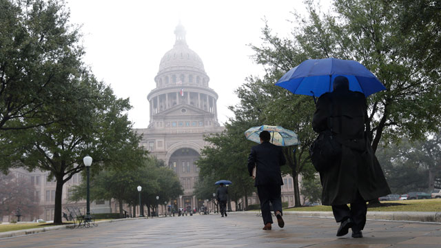 PHOTO: The Texas state capitol is masked by drizzle and fog on the opening day of the 83rd Texas Legislature session, Tuesday, Jan. 8, 2013, in Austin, Texas.