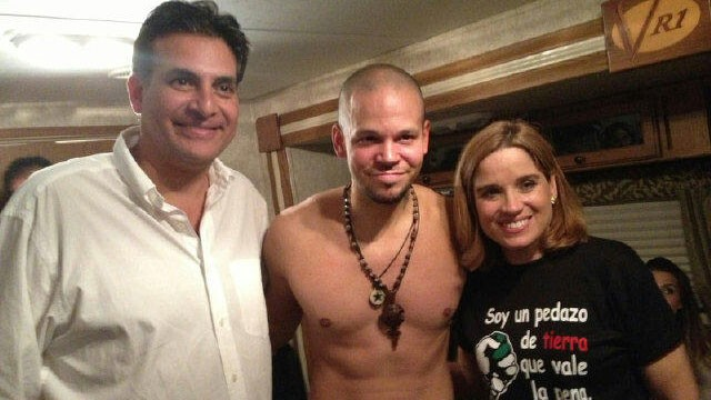 PHOTO: Eduardo Bhatia, René Pérez, and Carmen Yulín Cruz backstage at Calle 13?s December 15th concert.