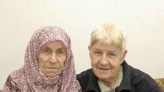 PHOTO:Sister, Sister (redux)