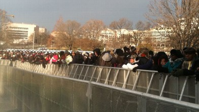 PHOTO:People wait near the Capitol in Washington, D.C. for the inauguration ceremonies to begin on Monday, Jan. 21, 2013.