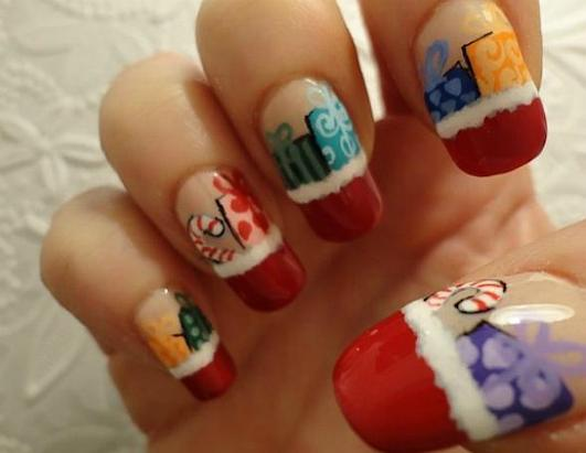 Awesome (And Awesomely Bad) Holiday Nails