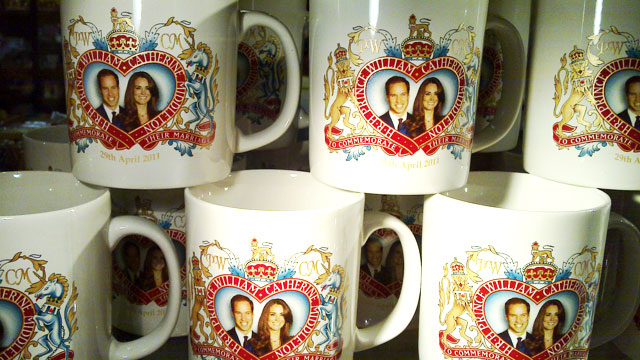 PHOTO: Mugs with the Royal Couples face on them.