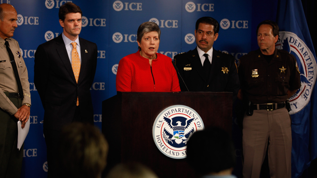 PHOTO:Napolitano and ICE director make announcement on immigration enforcement.