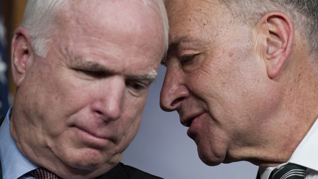PHOTO: mccain schumer