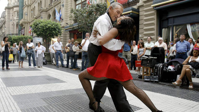 PHOTO: Tango dancers perform in downtown Buenos Aires.