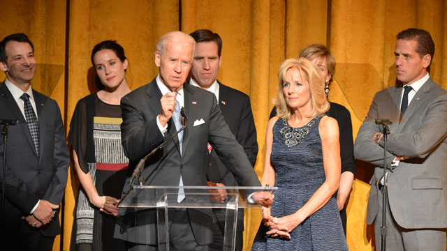 PHOTO: U.S. Vice President Joe Biden and Jill Biden speak at Latino Inaugural 2013: In Performance at Kennedy Center at The Kennedy Center on January 20, 2013 in Washington, DC.
