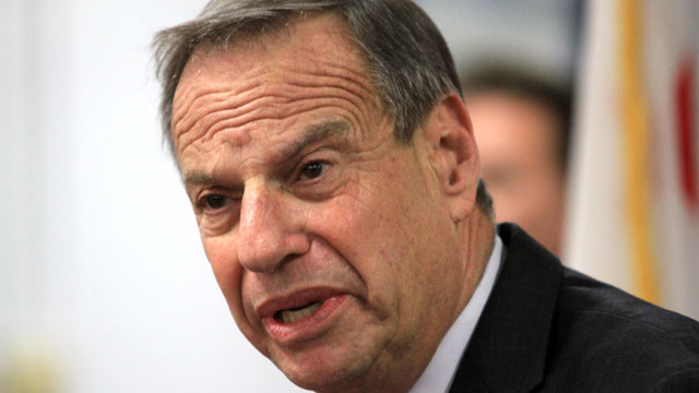 PHOTO:Mayor Bob Filner of San Diego speaks at a press conference announcing his intention to seek professional help for sexual harassment issues July 26, 2013 in San Diego, California.