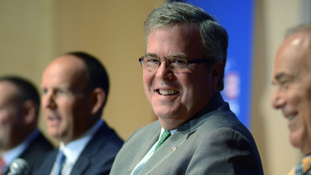 PHOTO: Jeb Bush came out against a pathway to citizenship for undocumented immigrants, reversing his previous position.