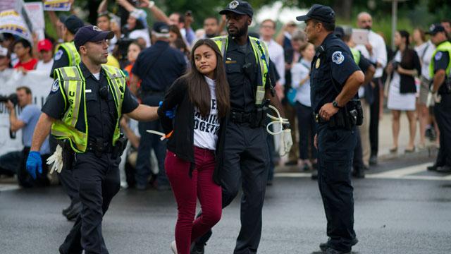 PHOTO:rally