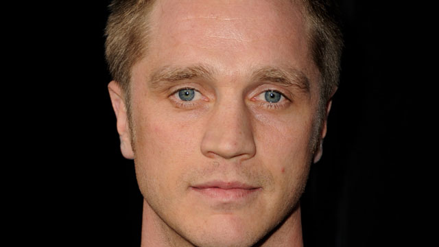 PHOTO: Devon Sawa: Also not dead