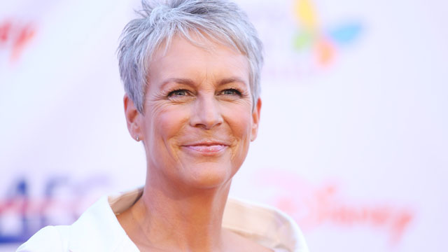 PHOTO: Jamie Lee Curtis arrives at Children's Hospital LA Gala on October 20, 2012.