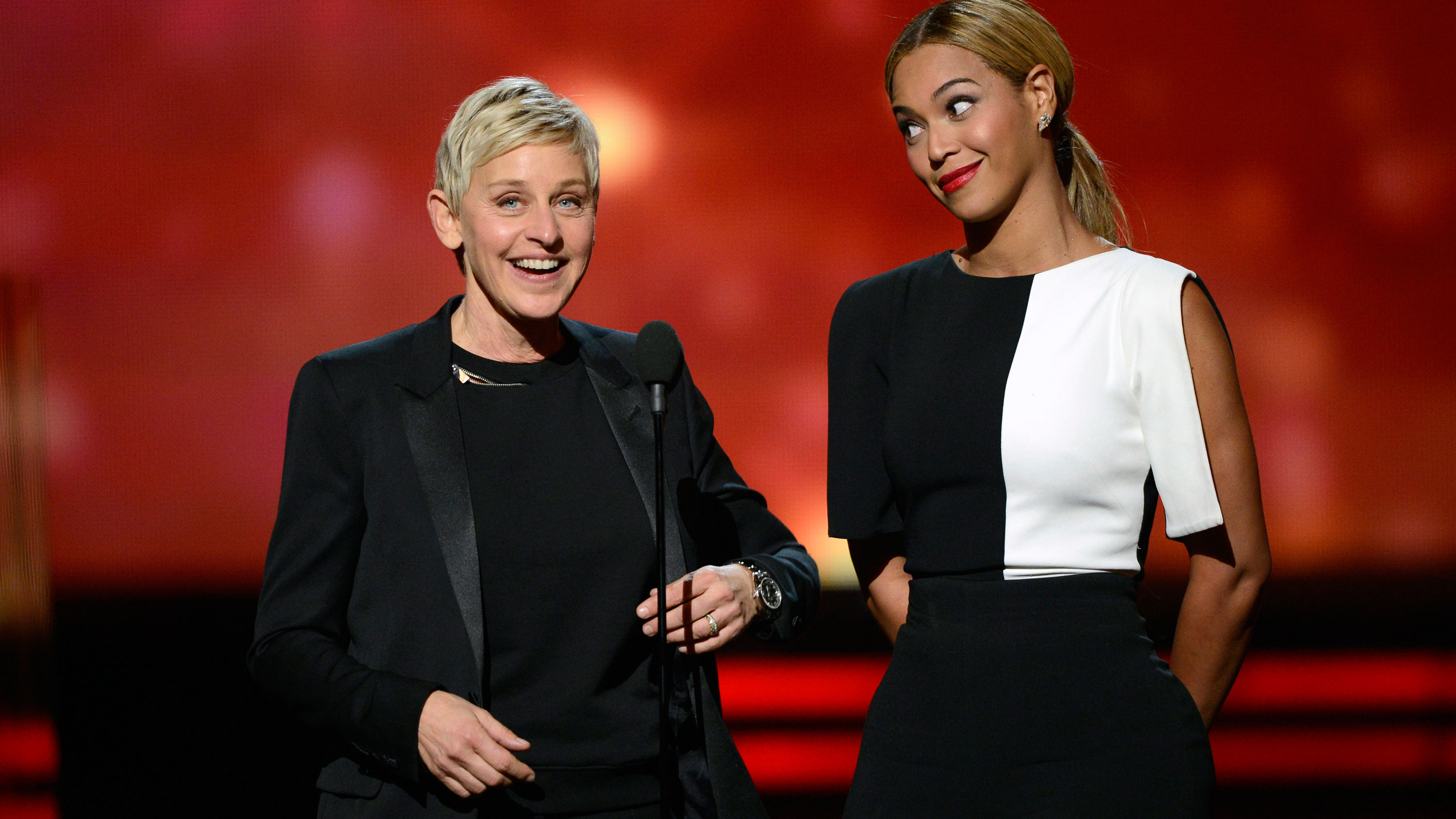 PHOTO: Ellen DeGeneres dons a monochromatic looks for presenting alongside Beyonce.