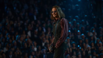 PHOTO: Johnny Depp chose a very Johnny Deppesque ensemble for the evening.