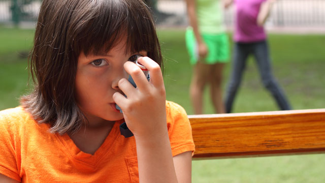 PHOTO: Girl with asthma