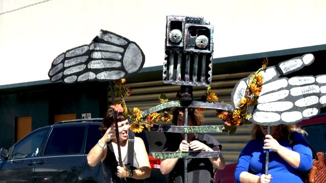 PHOTO:&nbsp;One of the many puppets made for Ft. Lauderdale's Day of the Dead procession.