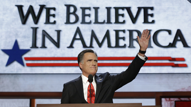 PHOTO: Mitt Romney welcomes the crowd at a the 2012 Republican National Convention in Tampa, Fla.