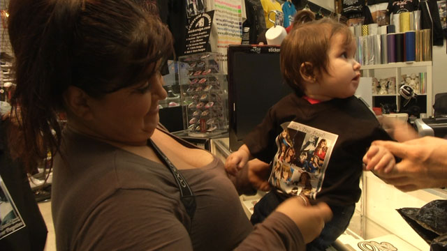 PHOTO: Fans of Jenni Rivera create custom T-shirts to remember their idol.