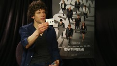 PHOTO:Jesse Eisenberg does a card trick that he learned on the set of his new movie 