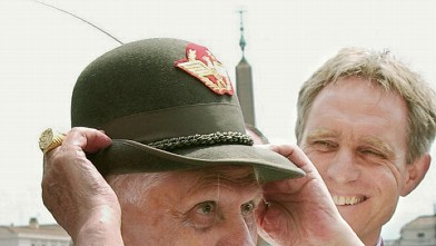 PHOTO:Pope Benedict XVI wears an Italian alpine troops hat, during his open-air weekly general audience in St. Peter's square, at the Vatican, 07 June 2006