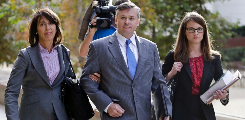 PHOTO: John Beliveau II, center, and his attorneys, Gretchen von Helms, left, and Jessica Carmichael arrive at the federal courthouse, Dec. 17, 2013, in San Diego, Calif.