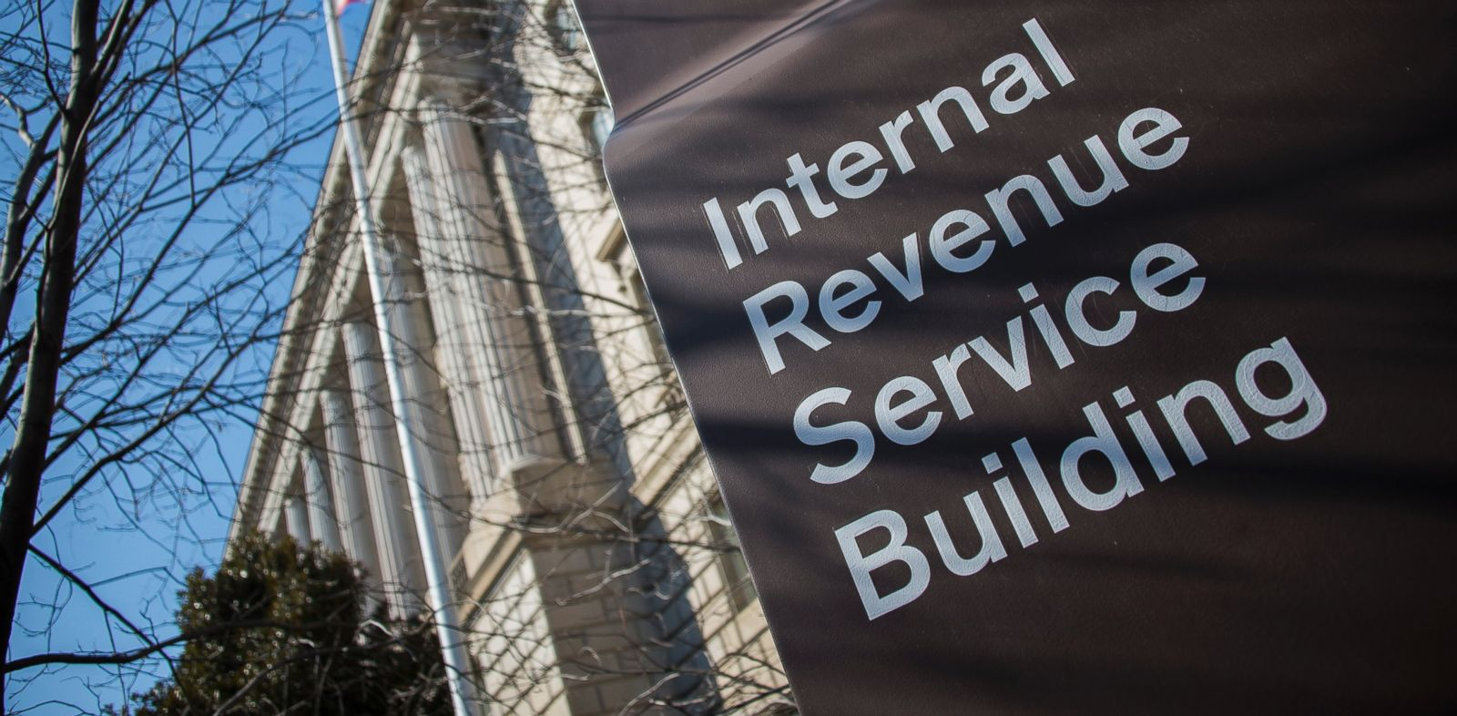 PHOTO: The Internal Revenue Service (IRS) building is viewed in Washington, DC, February 19, 2014.