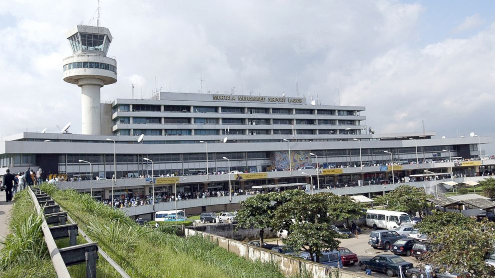 ' ' from the web at 'http://a.abcnews.com/images/Blotter/GTY_lagos_airport_sk_140908_16x9_992.jpg'