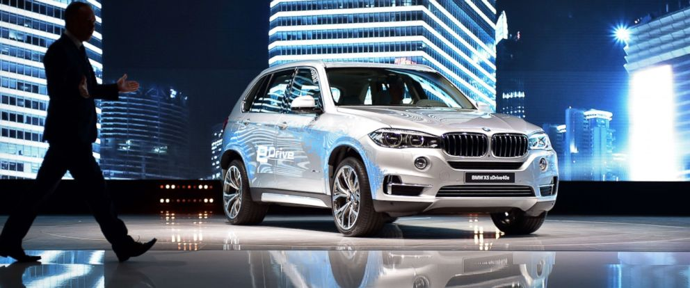 PHOTO: A BMW X5 xDrive 40e is displayed during a presentation at the 16th Shanghai International Automobile Industry Exhibition on April 20, 2015.