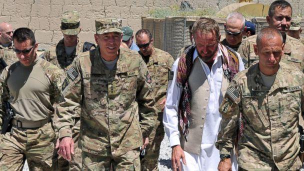 HT jim gantmar 14062320110508 03 16x9 608 Gen. David Petraeus on Disgraced Special Forces Legend: People Make Mistakes