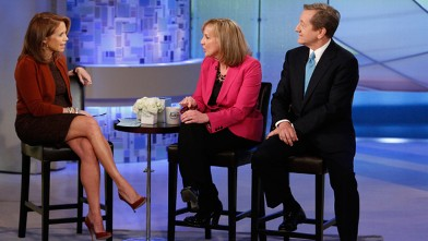 PHOTO: Katie Couric, left, talks with ABC News' Chief Investigative Correspondent, Brian Ross and Stephanie Zimmerman about how to avoid being scammed, on KATIE.