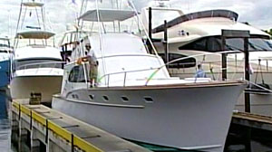 "Photo: Bernie Madoffs ""Bull"" for Sale in Florida: Two yachts, Mercedes and Other Boats Are On the Block in Auction"